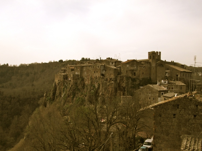 View of Calcata town stanito