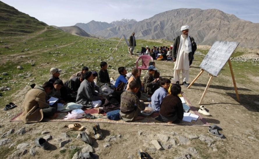 dei-bambini-durante-una-lezione-a-sang-e-surakhorig_main