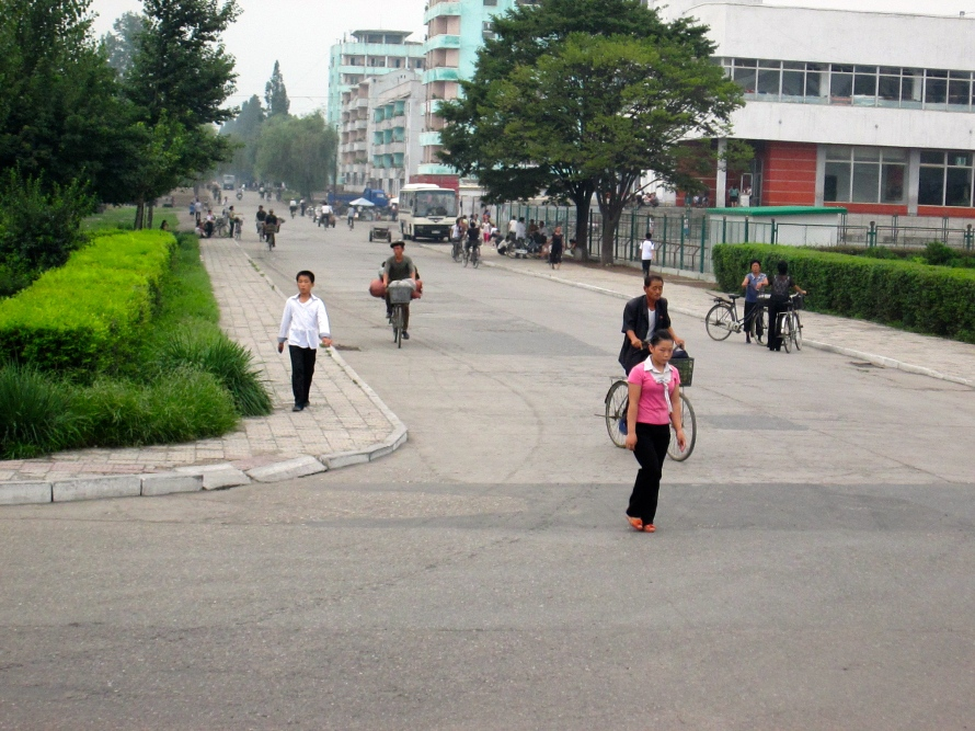 People in Kaesong stanito 6
