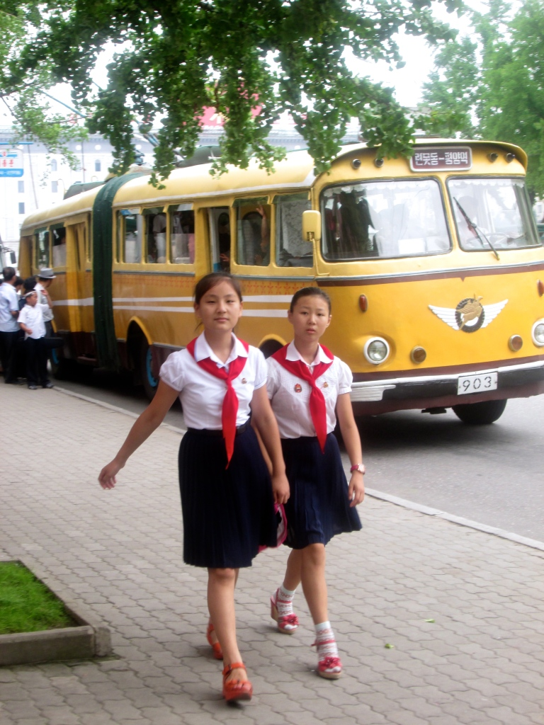People in Pyongyang schoolgirls stanito