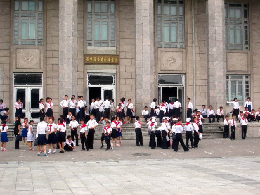 People in Pyongyang stanito 5