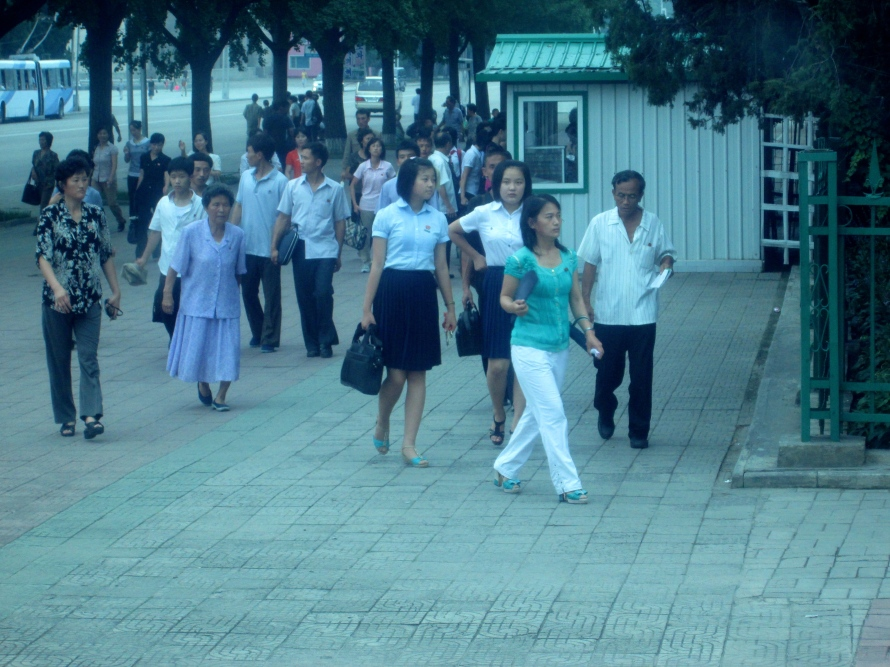 People in Pyongyang stanito 6