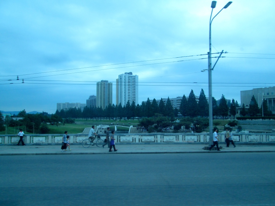 People in Pyongyang stanito1