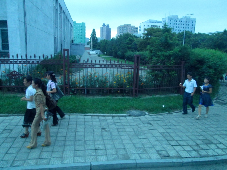 People in Pyongyang stanito2