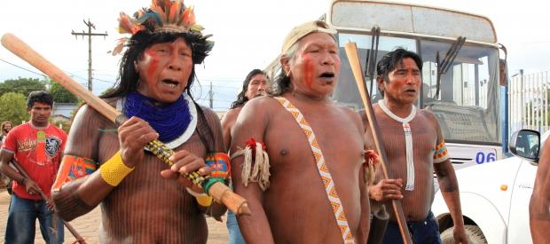 xingu leaders entering protest