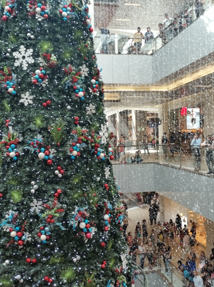 Chile mall Christmas tree Stanito 1