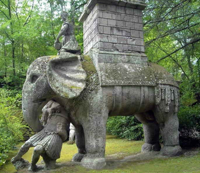 Elephant war Bomarzo