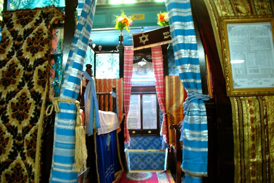 Inside Synagogue La Ghriba  4