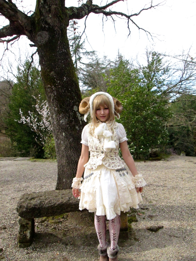 Japanese girl Bomarzo 1