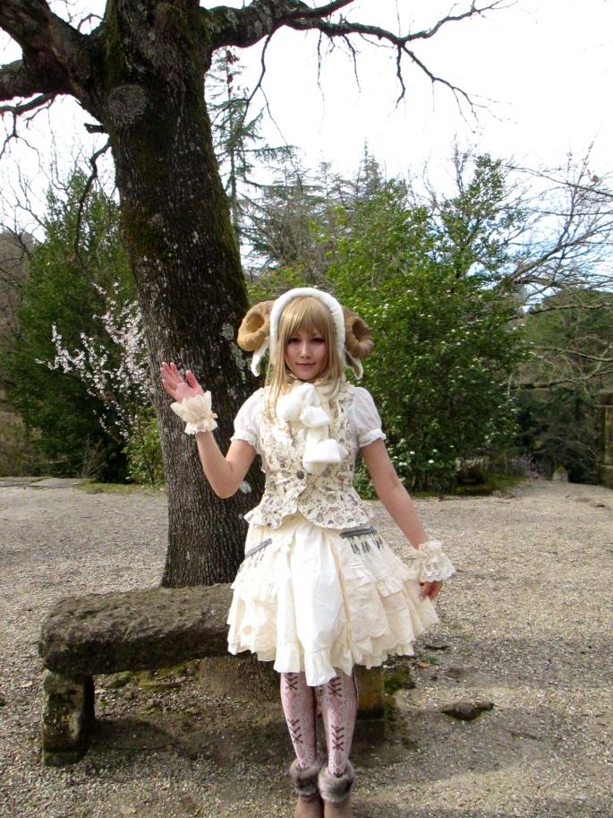 Japanese girl Bomarzo
