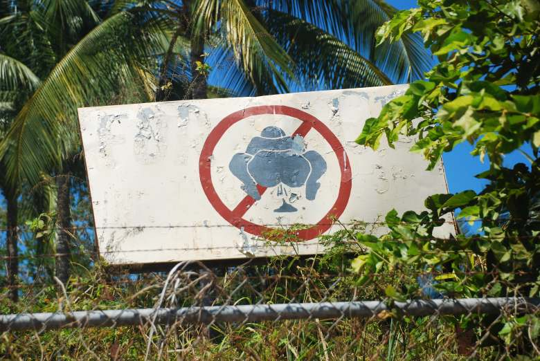 No-poop sign Stanito