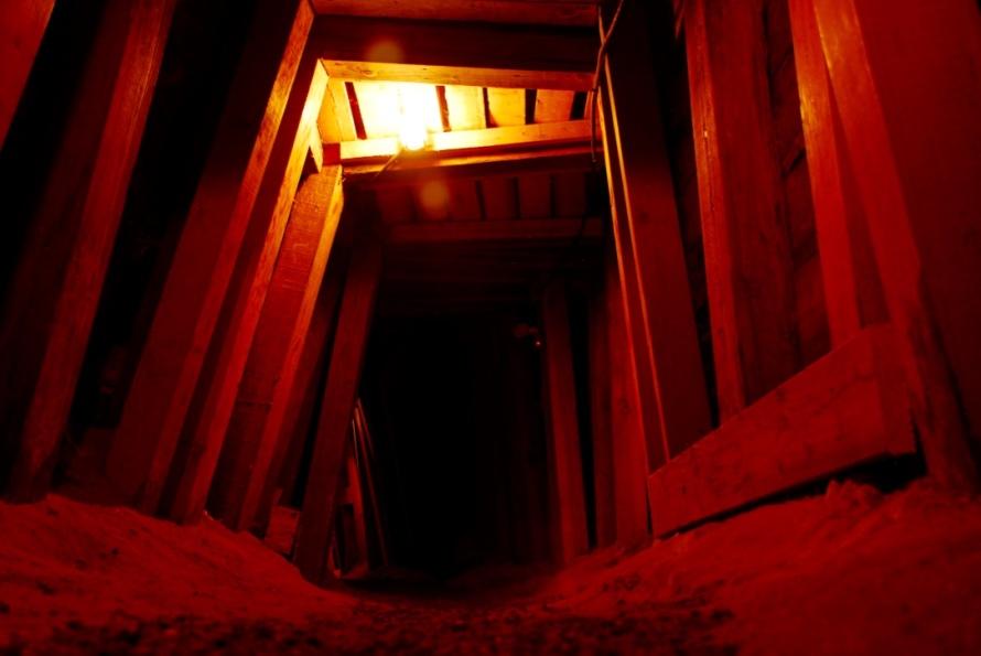 Best_&_Belcher_Ponderosa_Saloon_mine_tour_Entry_Virginia_City_Stanito
