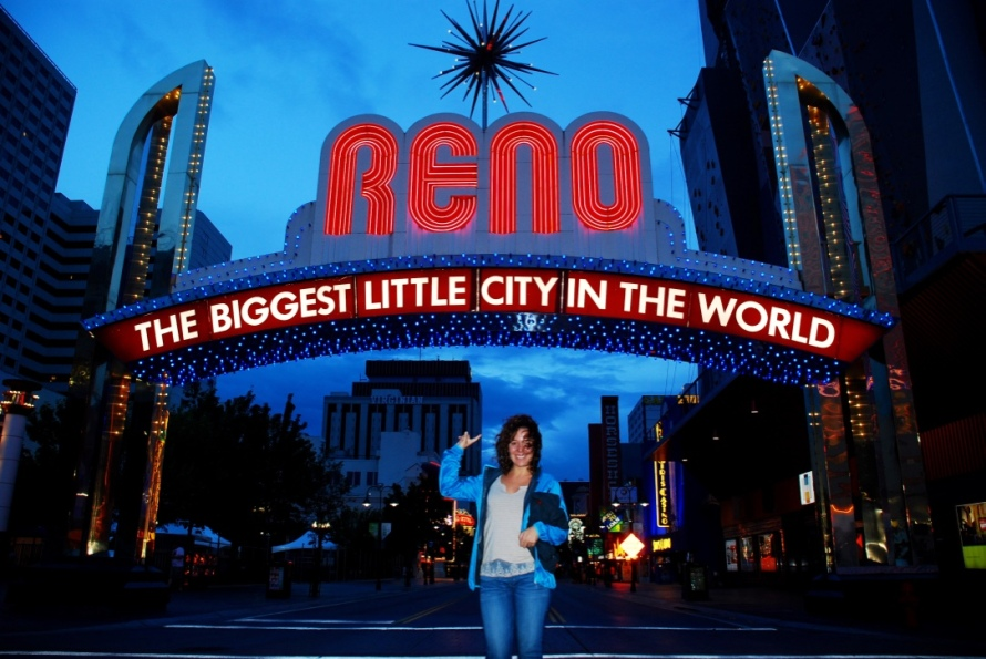 Reno_Nevada_Stanito_lit_sign