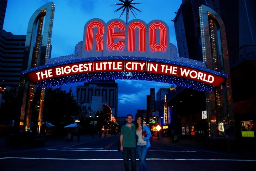 Reno_Nevada_Stanito_lit_sign_Travel_Buddy