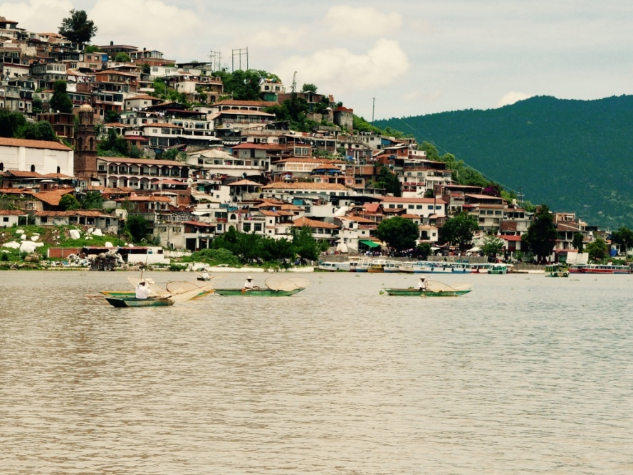 Patzcuaro_Michoacan_mexico_stanito_janiotzio_island_fishermen