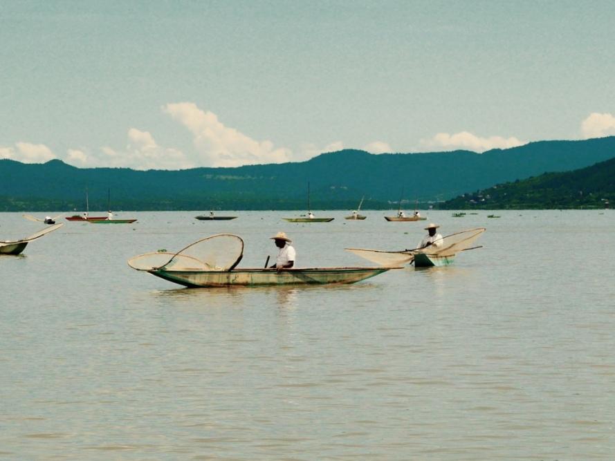 Patzcuaro_Michoacan_mexico_stanito_janiotzio_island_fishermen1