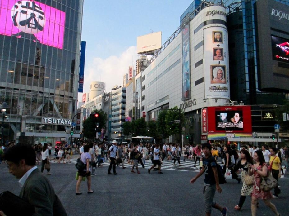 Shibuya_Crossing_Tokyo_Stanito