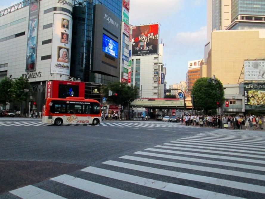 Shibuya_Crossing_Tokyo_Stanito2