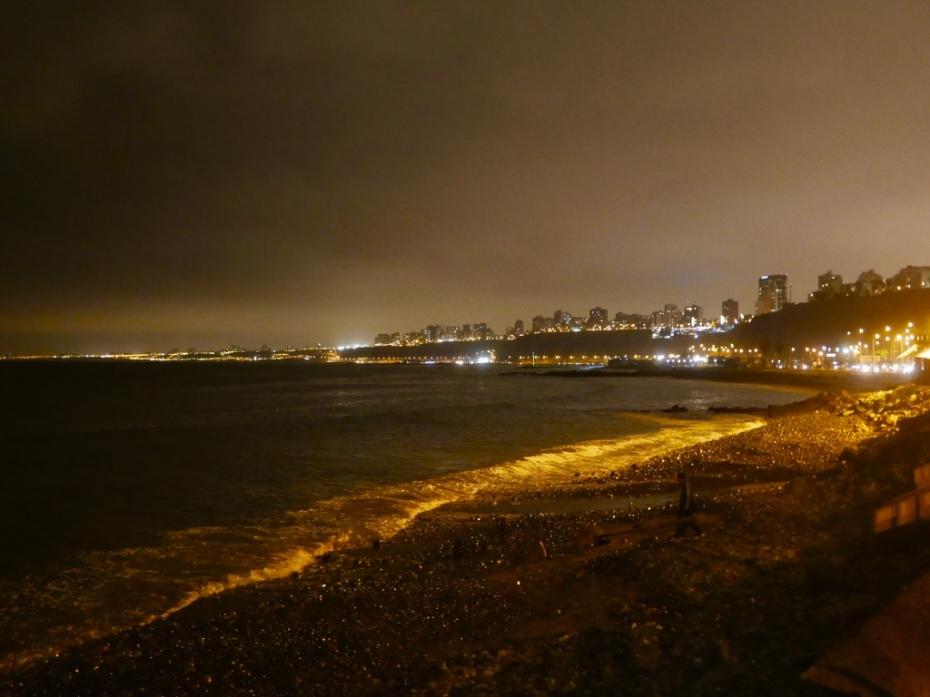 Lima_Peru_by_night_stanito