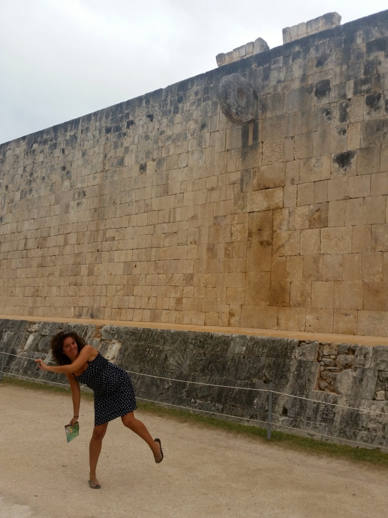 stone_hoop_shot_maya_ball_game_chichenitza_stanito