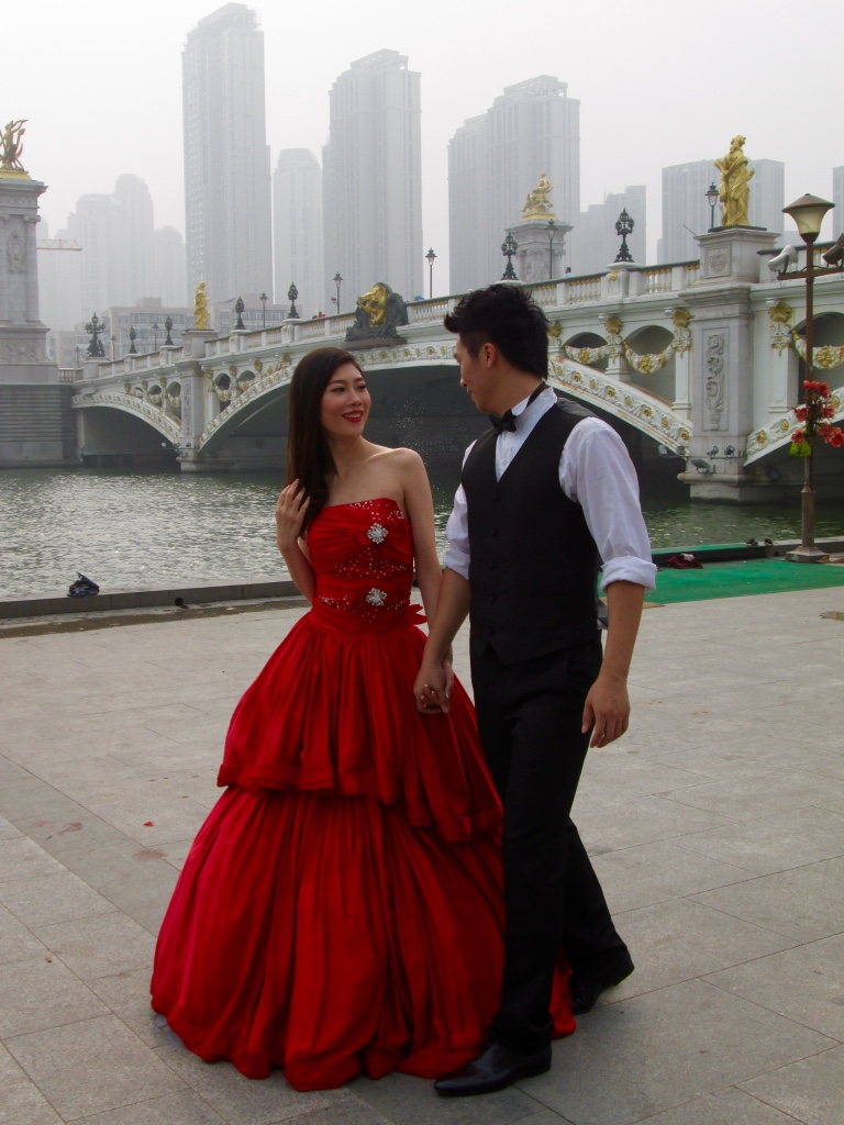 lady_red_wedding_tianjin_beijing_china_stanito