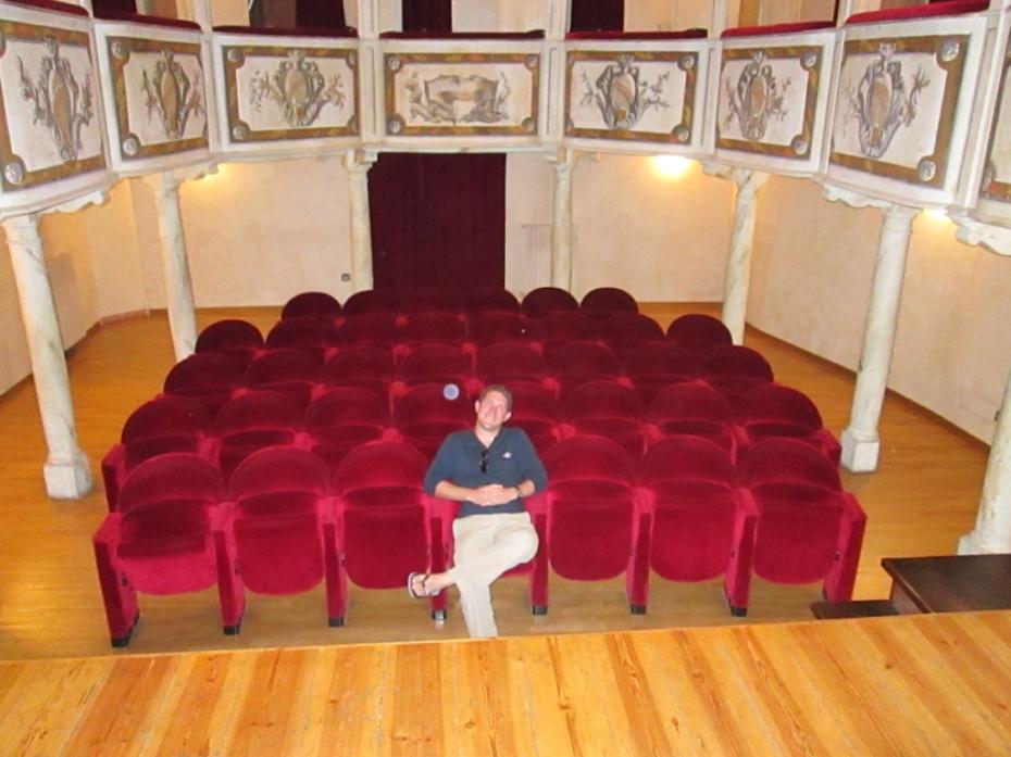 theatre_concordia_smallest_theatre_in_the_world_Stanito_3