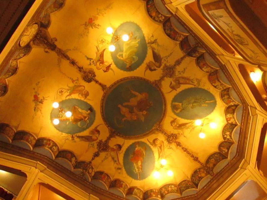 theatre_concordia_smallest_theatre_in_the_world_Stanito_4