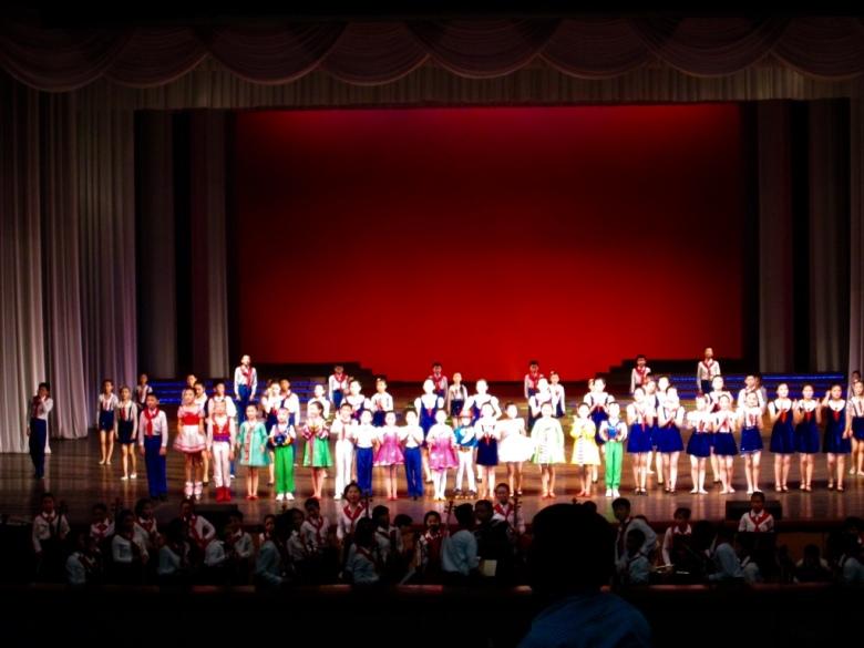 Mangyongdae_Children_Palace_North_Korea_Stanito_final_performance2