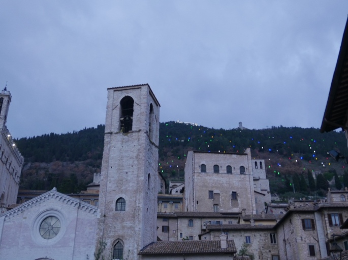 Gubbio_biggest_christmas_tree_umbria_italy_stanito_2