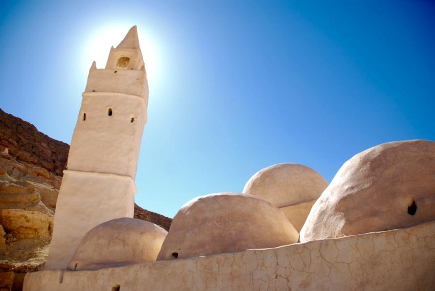 tunisia_chenini_temple_giants_legend_stanito