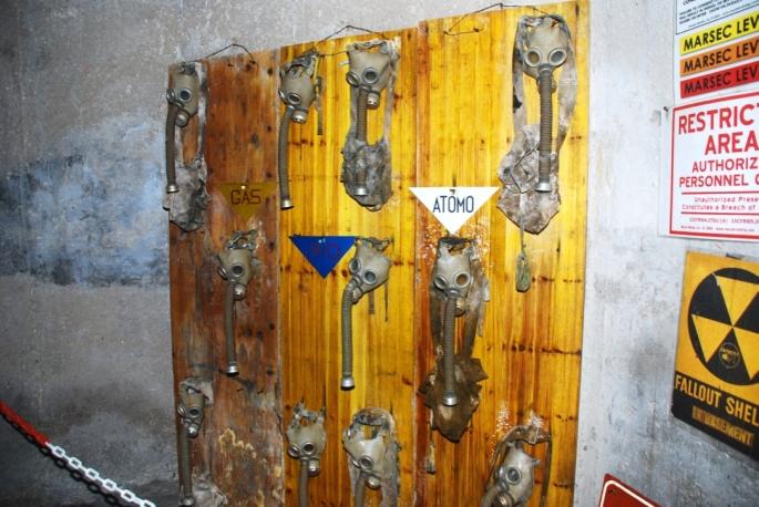 soratte_bunker_gas_masks_stanito