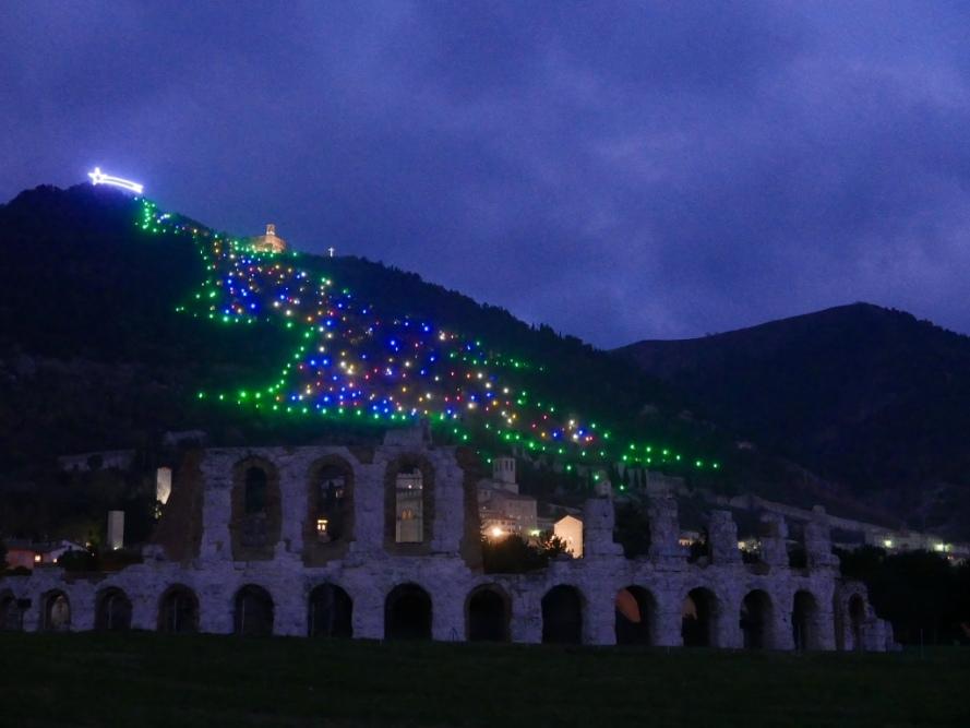 christmas_tree_gubbio_italy