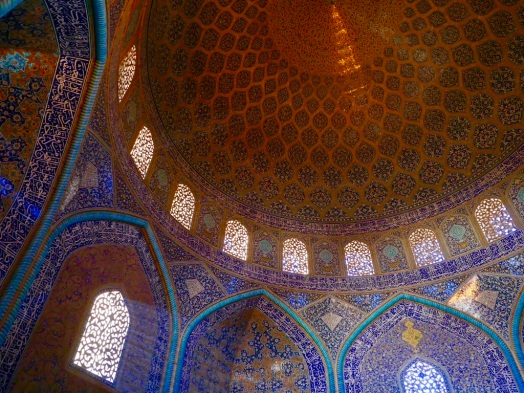 peackock_dome_imam_mosque_esfahan_iran_stanito_2