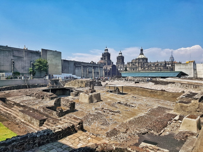 aztec_ruins_templo_mayor_Mexico_city_stanito