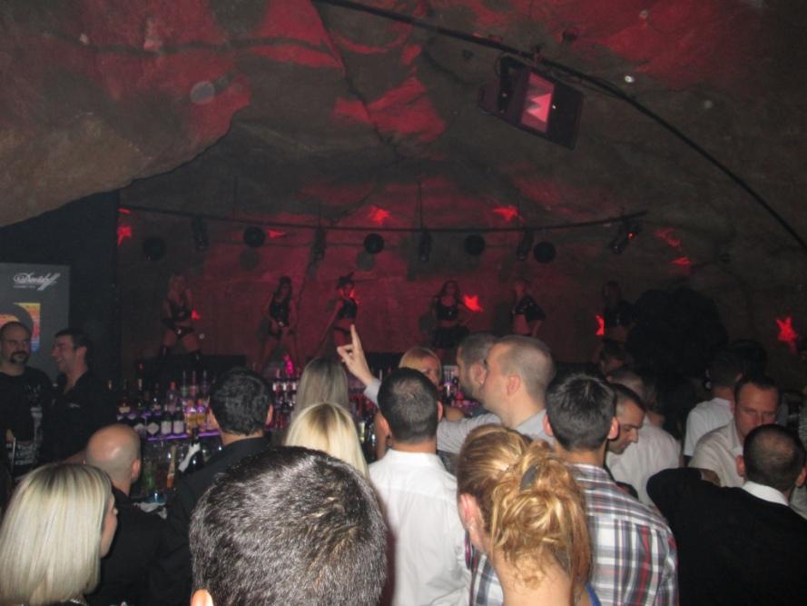 belgrade_serbia_night_club_stanito
